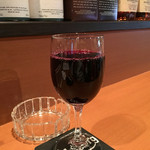 肉酒場 GZダイニング - 「赤ワイン」(「飲み放題90分+料理2品」1980円の一杯)