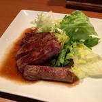 自家製ローストビーフとお酒のお店 ニクニク - 料理写真:「サーロインステーキ100g」(「飲み放題90分+料理2品」1980円の一品)