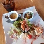 イタリアンダイニングカフェ チィーボ - ciboランチ*前菜とドリンク