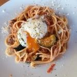 イタリアンダイニングカフェ チィーボ - パスタ*なすのボロネーゼ温玉のせ