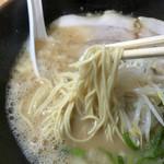 虎龍馬 - 背脂とんこつラーメンの麺リフト〜(*^◯^*)❤️