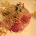 48261464 - 5種類の新鮮魚介カルパッチョ 金目鯛,カンパチ,鰆,たこ,平目