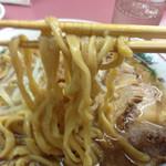ラーメン荘 おもしろい方へ - 平打ちワサワサ太麺d( ̄、  ̄)