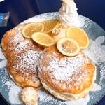 48262036 - ハニーレモンリコッタパンケーキ★                       ここでも好きなパンケーキが食べられて幸せ♡