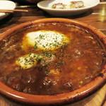 下町ビストロ リカリカ - 逸品72時間メリメロ煮込み。 メリメロ(meli melo)はごちゃまぜという意味だそうで、 色々な部位のお肉が入ったシチューをオーブン焼きしたような感じでした。
