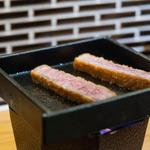 牛カツのタケル - 2016.3 鉄板で炙ることができます