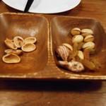 キアンキャバブ - 乾きもの3種