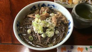 吾妻屋 - 肉そば ¥680