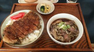 えばと - カツ丼+半肉そば ¥900