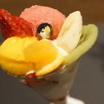 パフェ、珈琲、酒 『佐藤』 - 季節のパフェ