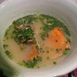 かずちゃん - ■さきほどのウチワ海老をお味噌汁にして・・ 白味噌仕立てでいいお味です。