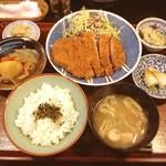 笹よし - とんかつ定食☺︎1100円