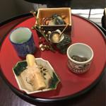 日本料理 太月 - 前菜 飯蛸桜煮 小茄子揚煮 筍土佐煮 あおり烏賊耳めふん和え うすい豆の薄蜜かけ 姫さざえの甘煮 2016-2
