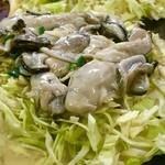浜屋 - プリプリの牡蠣がドーンとのってます♪