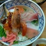48276354 - 海鮮丼790円