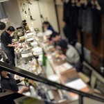 Dining TABI - 1階はカウンター席のみ