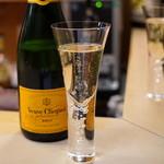 天ぷら 京星 - Champagne Veuve Clicquot Brut