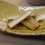天ぷら 京星 - お通し (大根の甘酢煮)