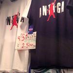 48280938 - Tシャツも売ってます(笑)
