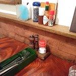 モンブラン 森下店 - モンブラン 森下店 調味料類とカトラリー・箸も入っています