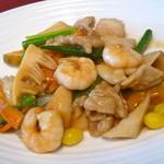 48287174 - 海山の幸 八宝菜(1400円)具沢山で美味しいです。銀杏が入ってるのが嬉しい!
