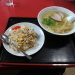 星龍軒 - 塩ラーメン、炒飯セット