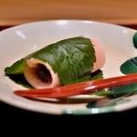 竹ざき - デザート:関東風桜餅。