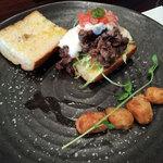 鳴尾山芋研究所 フラットブッシュ - ランチの炙り割下牛とろろチーズサンド