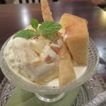 BOWLS cafe - プチパフェ・バニラ2