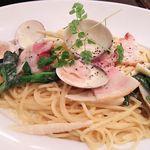 しゃぽーるーじゅ - 蛤と春野菜のクリームパスタ