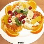 サニー ストア&カフェ - フルーツパンケーキ