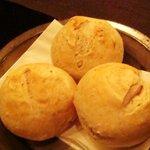 483748 - 自家製のパン