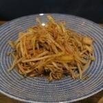 チムウォック - 帆立と黄ニラのシャーズー風味炒めそば