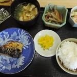 構内食堂 - 朝食(焼魚)