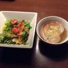 リコグリル - 料理写真:オニオングラタンスープとサラダ