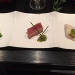 48307487 - 前菜の菜の花味噌掛け、漬けマグロタタキ、桜姫鶏の燻製バター