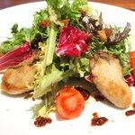48309391 - ランチコース 4320円 の宮城県・石巻産 牡蠣のムニエルとフルーツトマトのサラダ仕立て