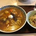菊凰 - 広東メン(¥700)+小チャーハン(¥300)