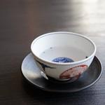 東京 田村 - ドリンク写真:まずは紫蘇茶で
