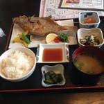 Ueki - カレイ定食1100円