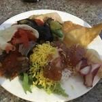 セイルフィッシュ カフェ - かって丼(海鮮丼)にケバブと和洋折衷バイキング