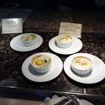 セイルフィッシュ カフェ - 朝食時はお勧めのベークドエッグ茸ソース添え