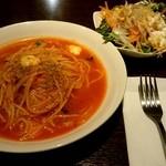 essence dining - 『バジルトマトのパスタ』『サラダ』