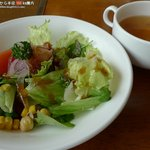 大笹牧場レストハウス まきばレストラン - 料理写真:セットのサラダとスープ