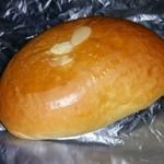 みもすパン工房 本山店 - 乳清カスタードクリームパン