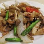 煌蘭 - 鶏もも肉の豆鼓醤炒めアップ