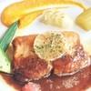 ル プティ オルム - 料理写真:ケネル入りのノルウェーサーモンのソテー、ソースデミグラス アップ