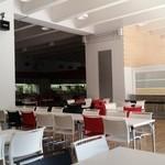 中央大学生協食堂 - かなり広々とした学食です