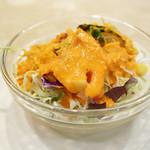 インドラ マハール - サラダのドレッシングが特徴的! (^∀^)ノ