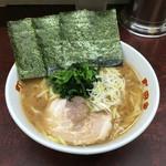 町田家 - 「ラーメン 普通盛」720円